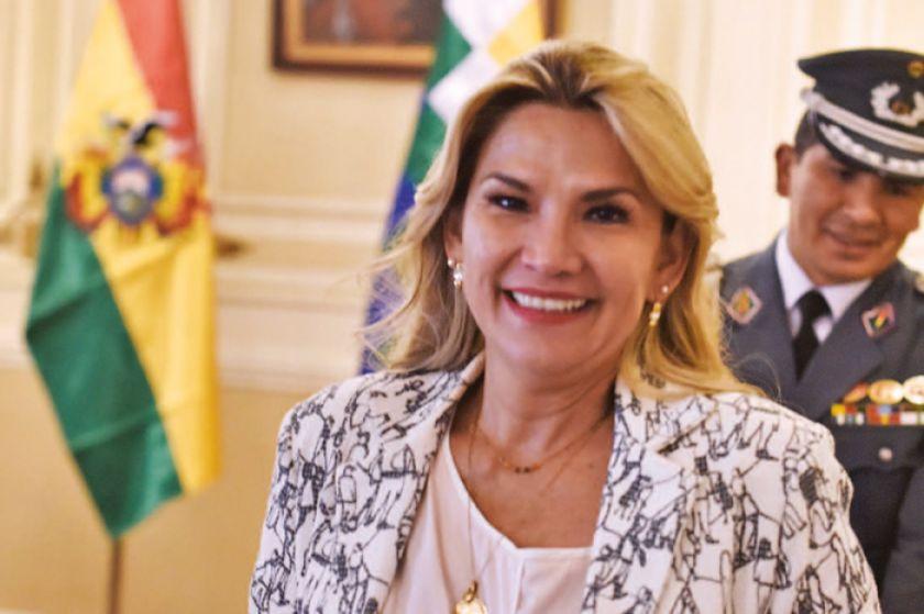 Legalidad de la postulación de Jeanine Añez es cuestionada