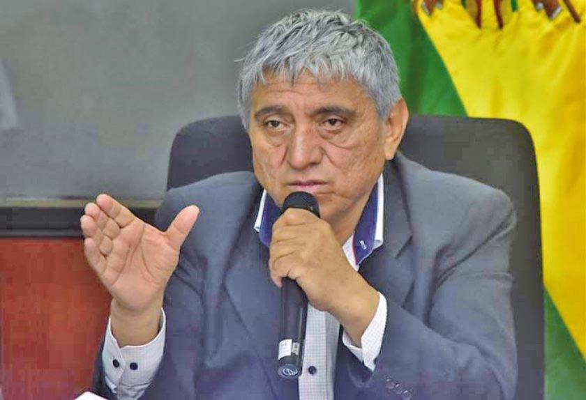 Arias presenta su renuncia al Ministerio de Obras Públicas