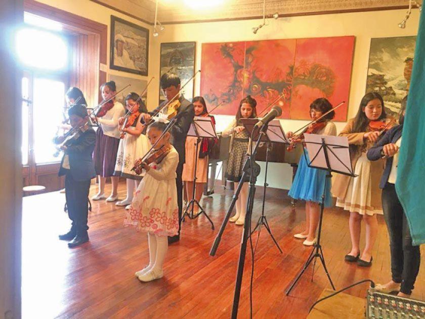 Estudiantes presentaron sus conocimientos en violín