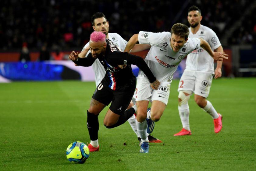 Paris Saint-Germain golea a Montpellier y extiende su ventaja en la cima