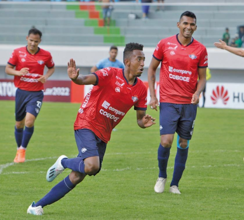 Wilstermann golea a Blooming