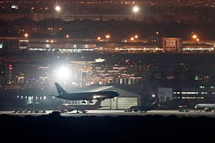 España: Aterriza con éxito el avión averiado de Air Canada