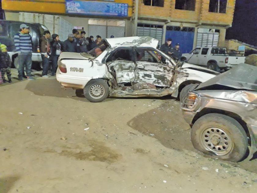 Una persona muere en colisión de autos