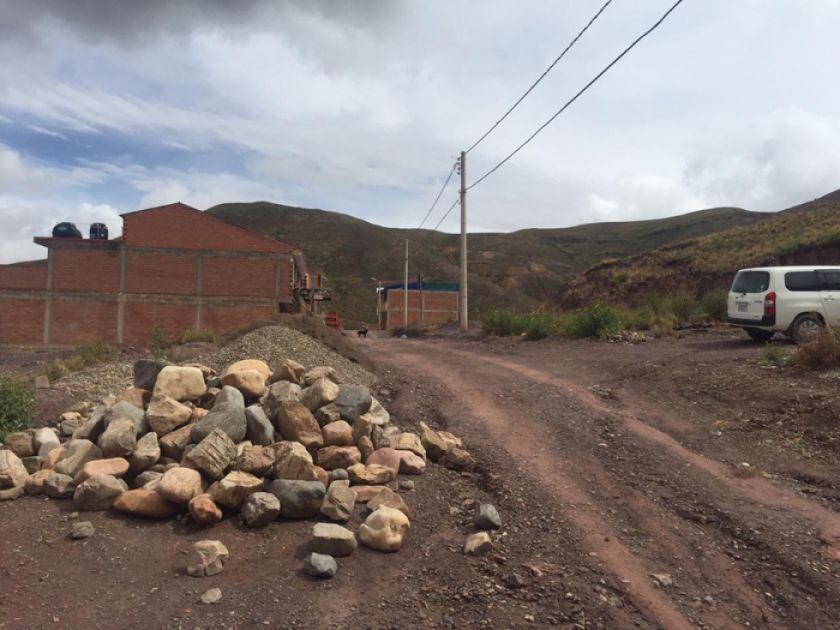 Vecinos de zona Luis Espinal piden calles e iluminación