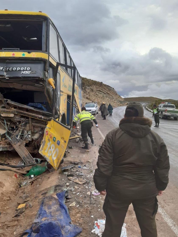 Dos personas fallecen en una colisión mortal en la vía Potosí - Oruro