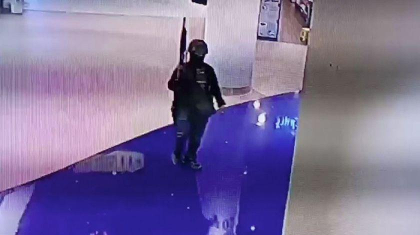 Soldado mata a una veintena en centro comercial tailandés