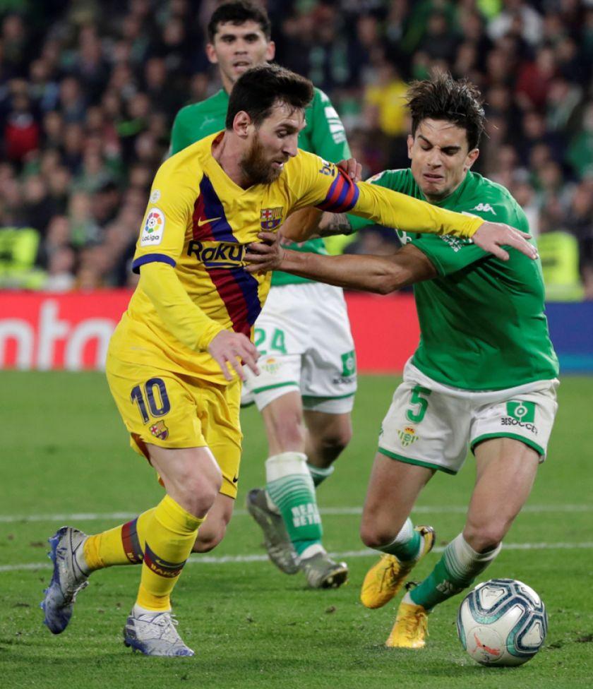 Barcelona se redime y aleja al Betis de Europa