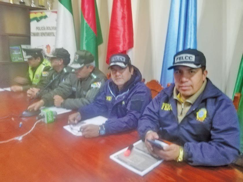 Secuestran cuatro volquetes de mineral por explotación ilegal del metal
