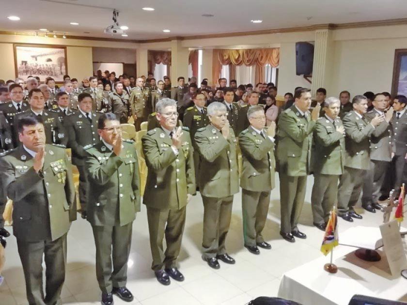 Posesionan al Estado Mayor de la Policía y a comandantes departamentales