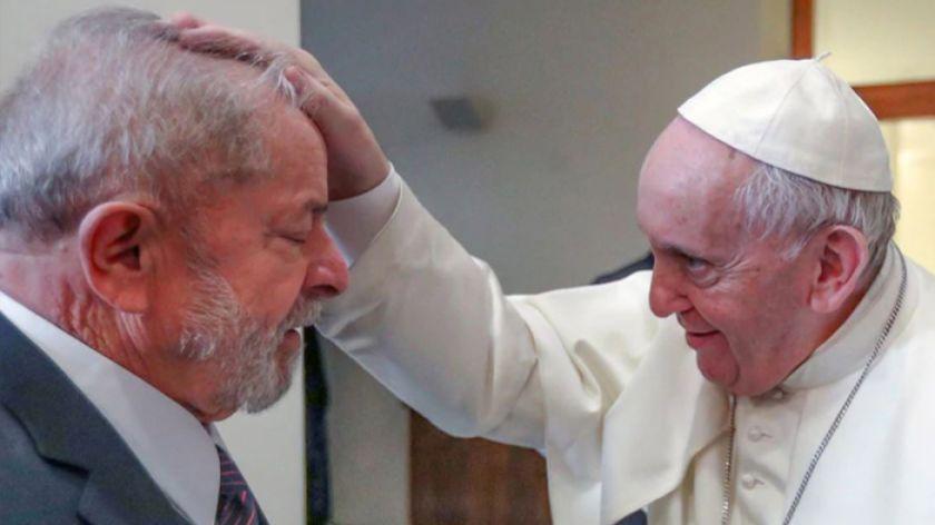 El Papa afirma que está feliz de ver a Lula en la calle.
