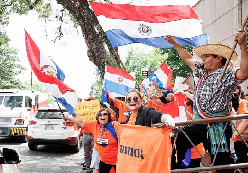 Paraguay: Una ley regulará el dinero de las campañas