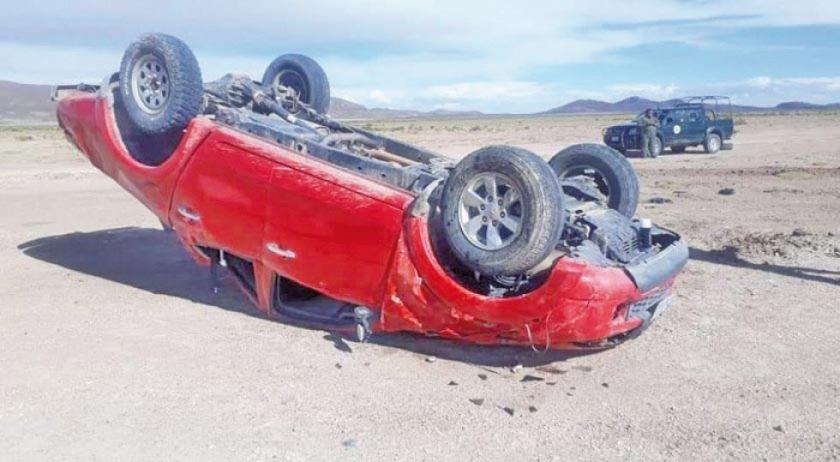 Un militar muere y dos resultan heridos en un accidente de tránsito