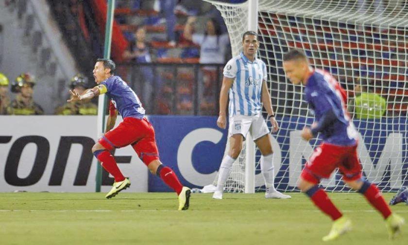 Medellín vence a Atlético Tucumán