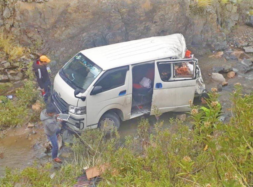 Embarrancamiento de un minibús deja cinco personas heridas