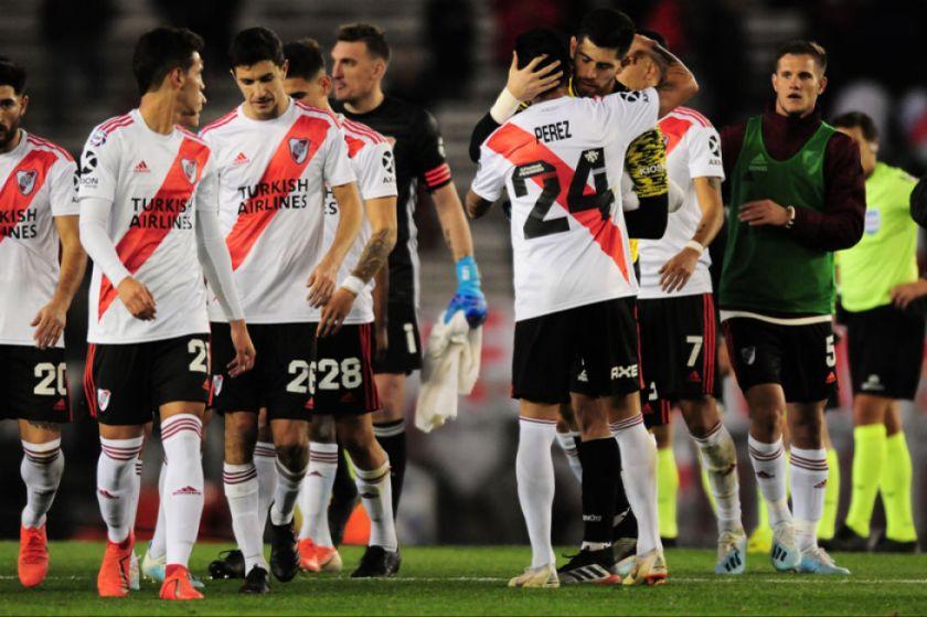 River Plate expone la cima en su visita a Estudiantes a tres jornadas del final