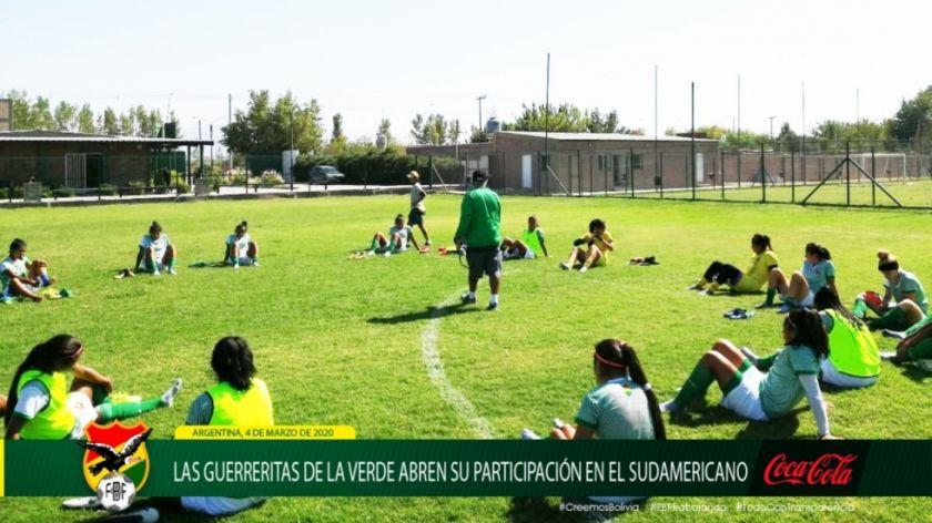 Selección femenina sub 20 debutan ante Colombia