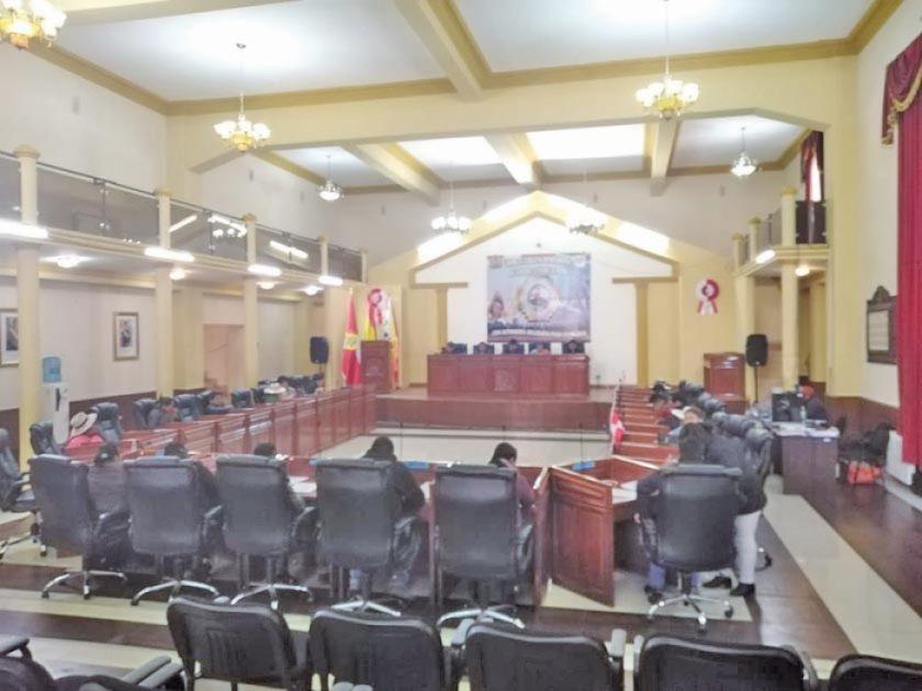 Asamblea declara patrimonio a dos templos y danza