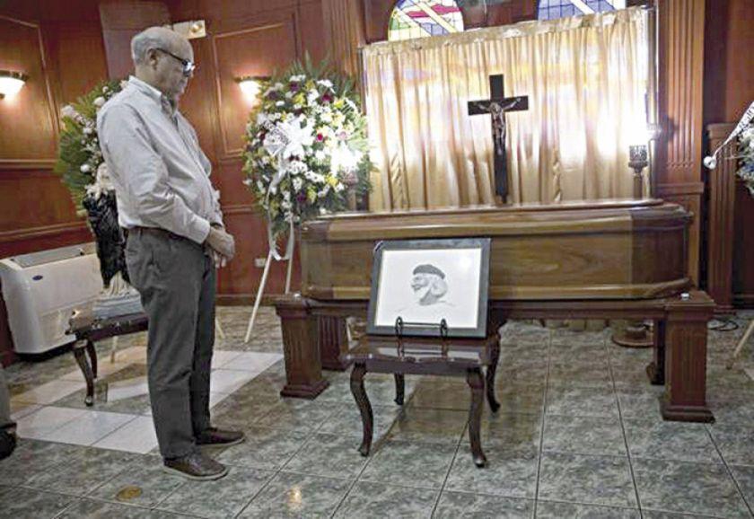 Tensiones en misa por Ernesto Cardenal