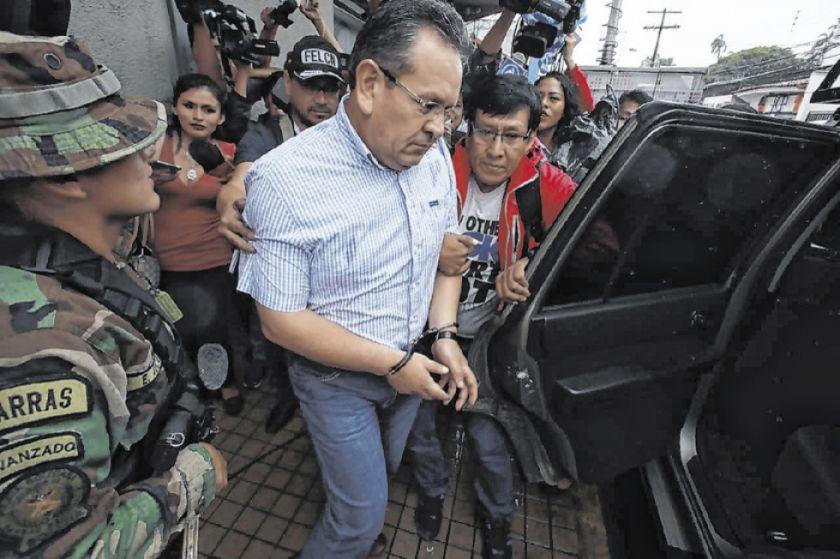 Excoronel Medina sale de Palmasola para ser internado
