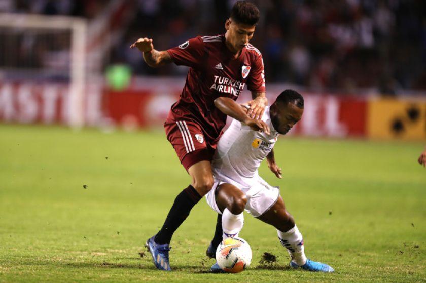 Liga de Quito golea sin piedad al River Plate argentino