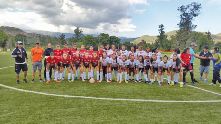 Selección potosina de damas cumple un partido de prueba ante Wilstermann