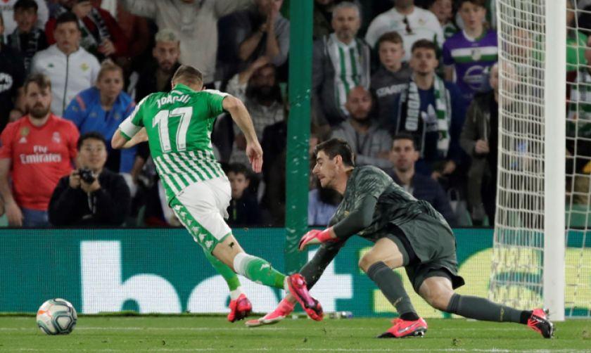 Real Madrid pierde la cima y el Betis se rehabilita