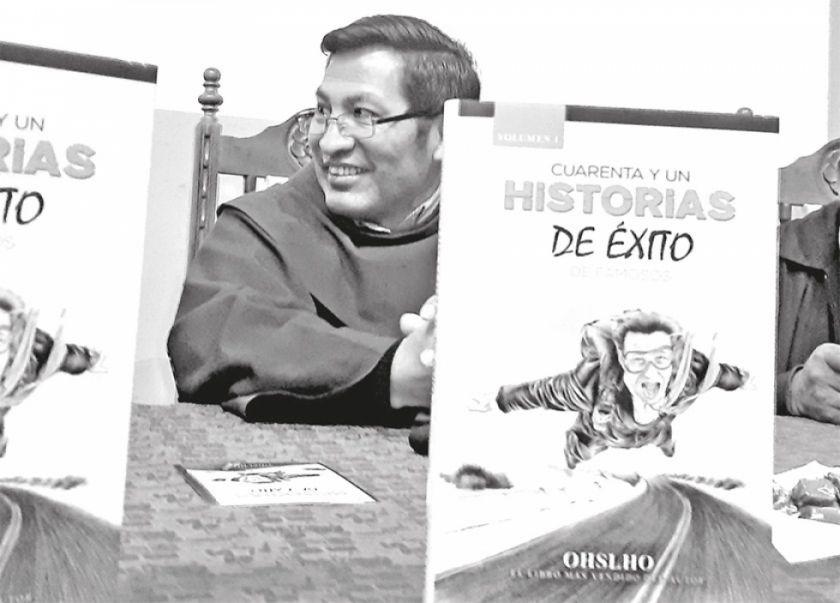 El director del Colegio Franciscano presentó libro de superación personal