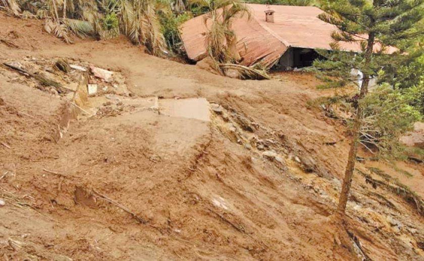 Coroico: mazamorra afecta vivienda y hay dos desaparecidos