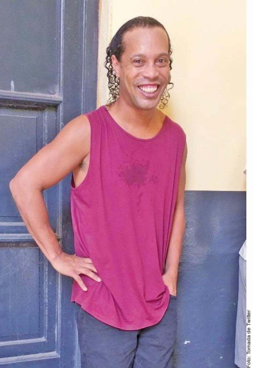 Ronaldinho festejará sus 40 años en prisión