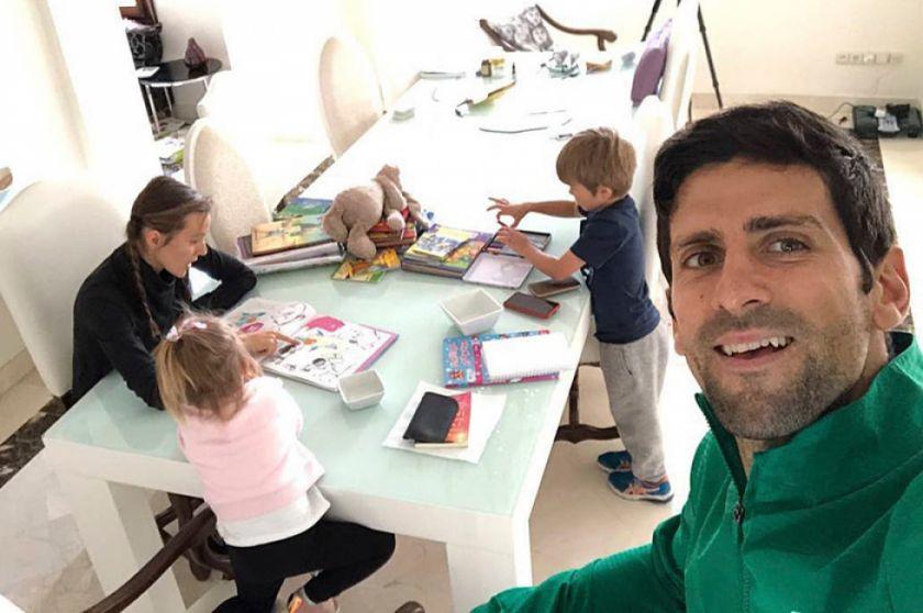 """Djokovic: """"ayuden a los médicos"""""""