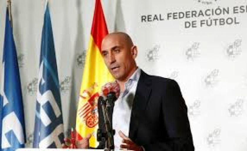 La Real Federación Española de Fútbol anuncia créditos para ayudar a clubes