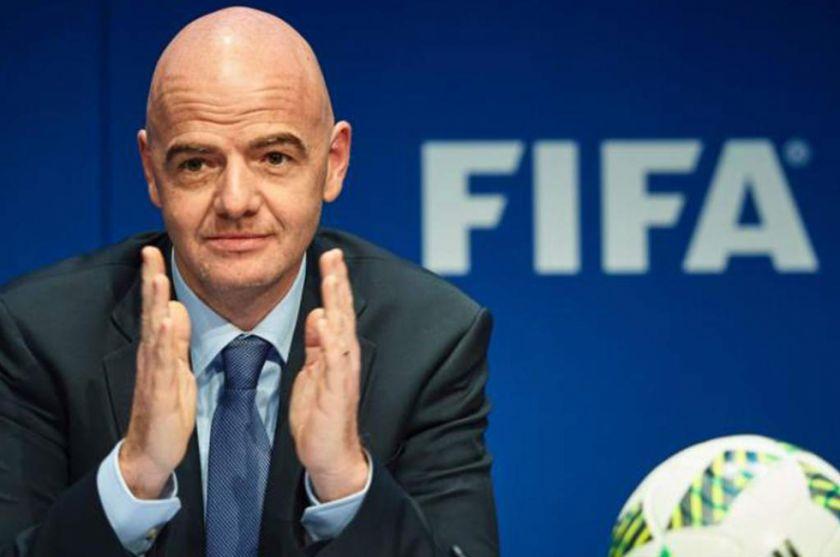 La FIFA se inclina por negociar una rebaja salarial a los jugadores