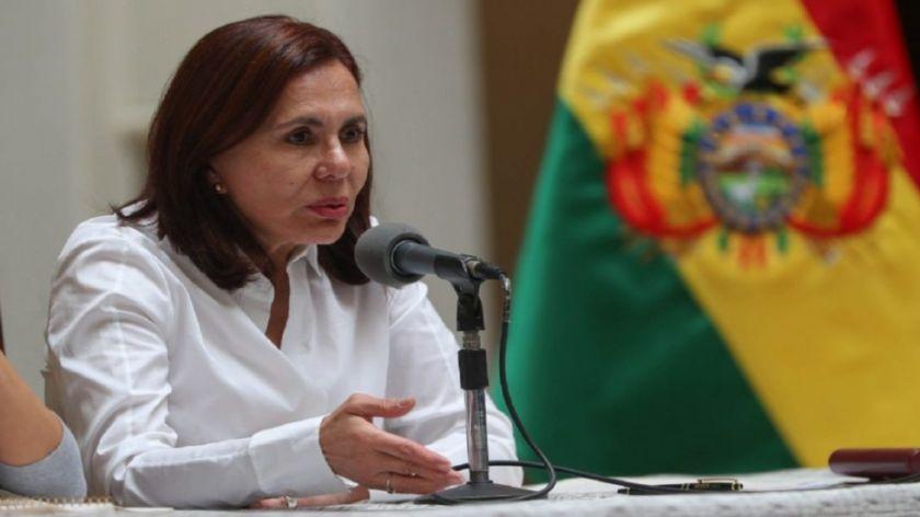 Más de 800 bolivianos están varados en el exterior y el Gobierno garantiza su atención