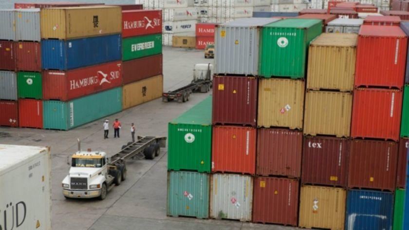 Importaciones de Bolivia caen en 19 % en el primer bimestre del año