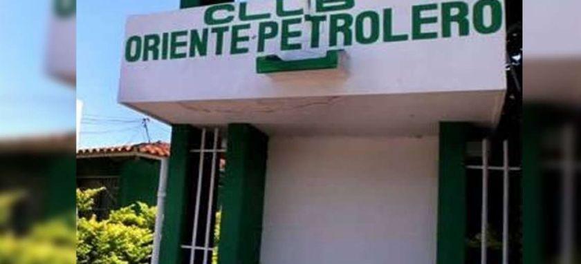 Funcionarios de Oriente Petrolero se bajan el sueldo en apoyo al club