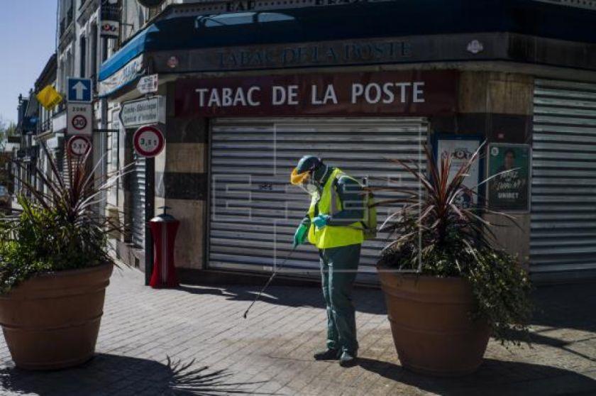 Francia supera las 8.000 muertes por coronavirus