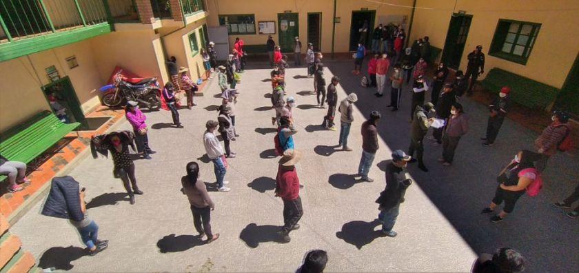 Quieren cerrar el mercado Uyuni por aglomeración de personas