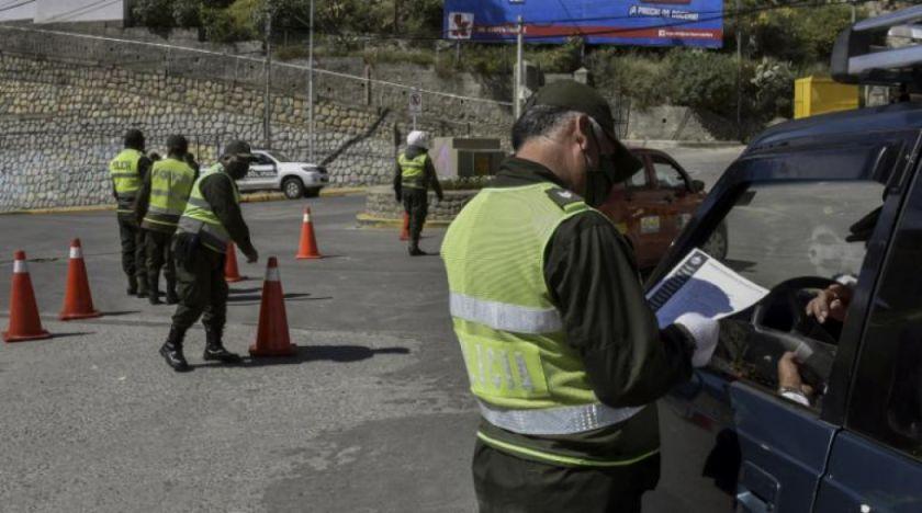 Policía registra 621 arrestados y 217 vehículos retenidos en el país por incumplir la cuarentena