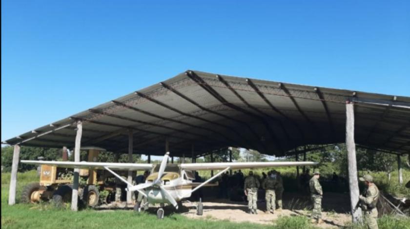 En Paraguay incautan 385 kilos de cocaína en una avioneta con placa boliviana