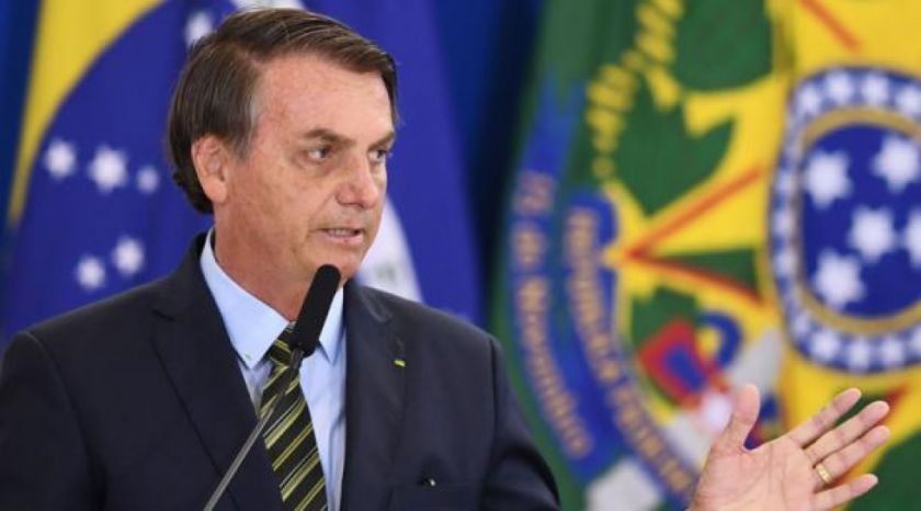 Presidente de Brasil dispuesto a permitir la vuelta del fútbol