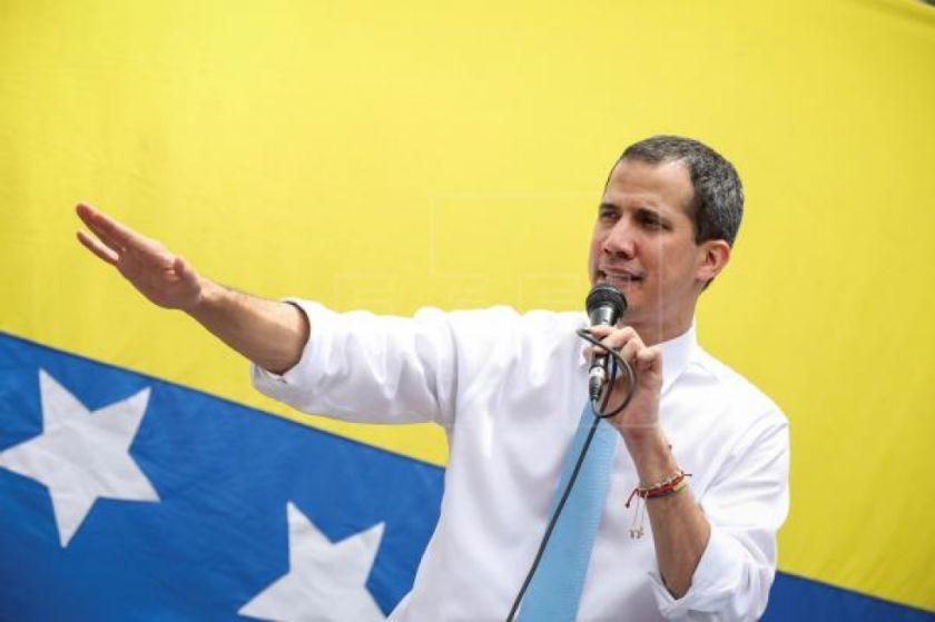 """Guaidó dice que la comisión que pagó ataque solo debía """"evaluar escenarios"""""""