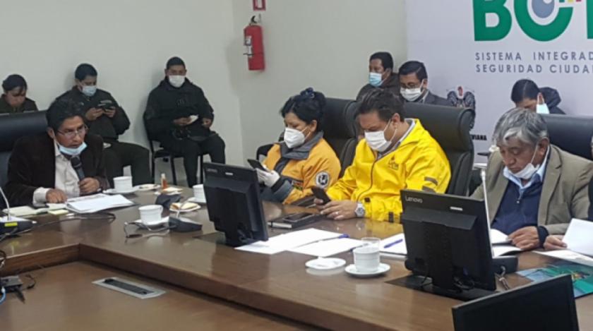 La Paz y El Alto deciden mantener cuarentena de Riesgo Alto por una semana y anuncian flexibilización en 10 días