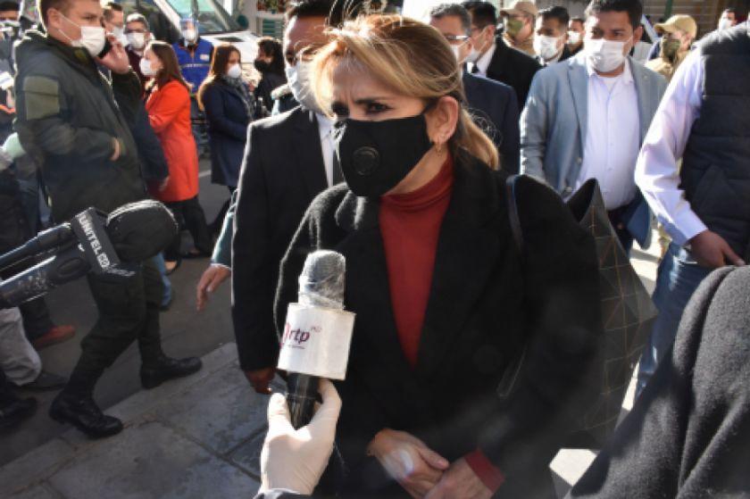 La presidenta Áñez habla de una vuelta a la normalidad en 'las siguientes semanas'