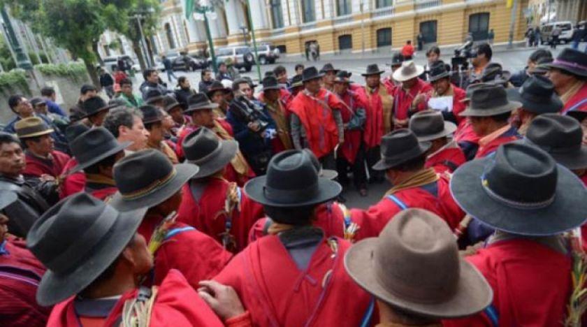 Ponchos Rojos piden retorno a clases presenciales y dan 72 horas al ministro Cárdenas