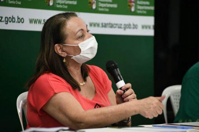 """Ministra de Salud: """"nuestra meta no es que no haya más casos, la meta es evitar que se muera más gente"""""""