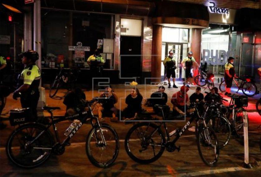 Al menos 345 detenidos y 33 policías heridos en las protestas de Nueva York