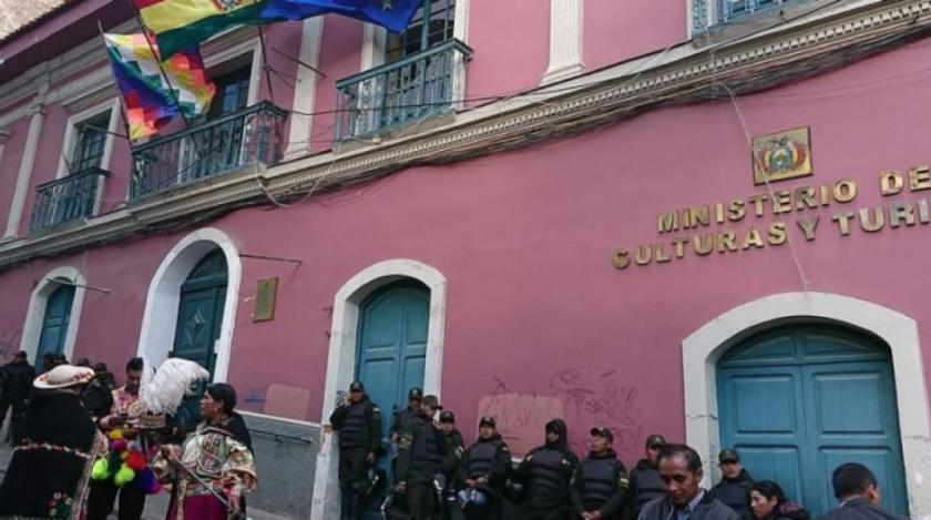 Al menos 15 sectores artísticos están en emergencia y exigen la restitución del Ministerio de Culturas