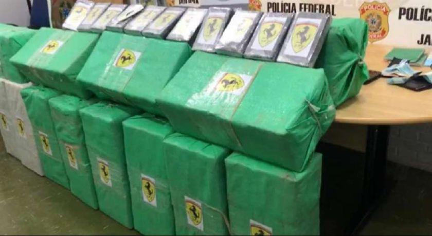 Interceptan en Brasil un avión con casi media tonelada de droga que había salido de Bolivia