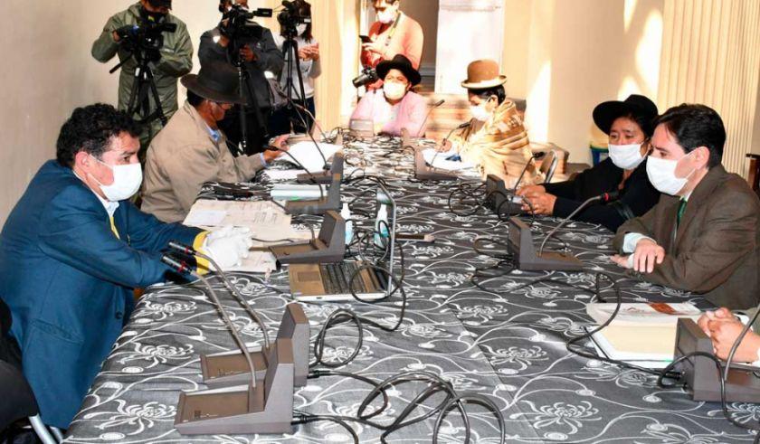 Comisión de Diputados aprueba proyecto de ley para postergar elecciones hasta septiembre