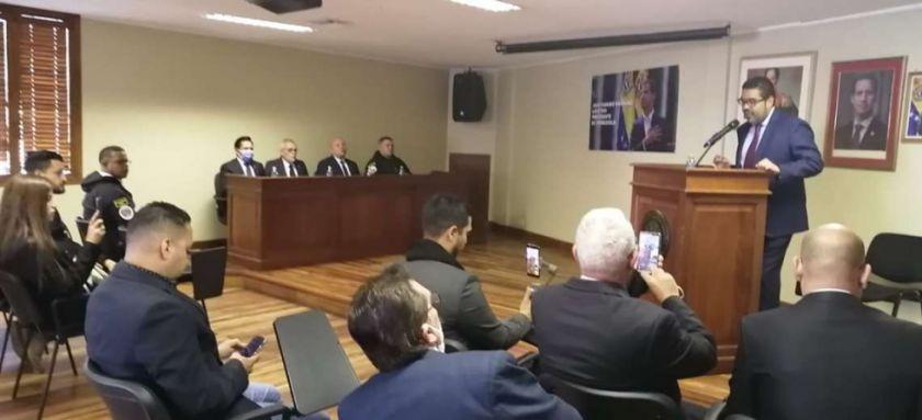 La misión diplomática de Juan Guaidó reabre las puertas de la embajada venezolana en La Paz